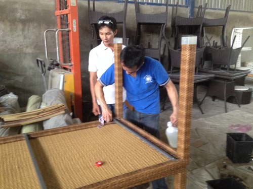 Furniture Quality Control in Vietnam - Epoxy painting chipped off metal frame 3