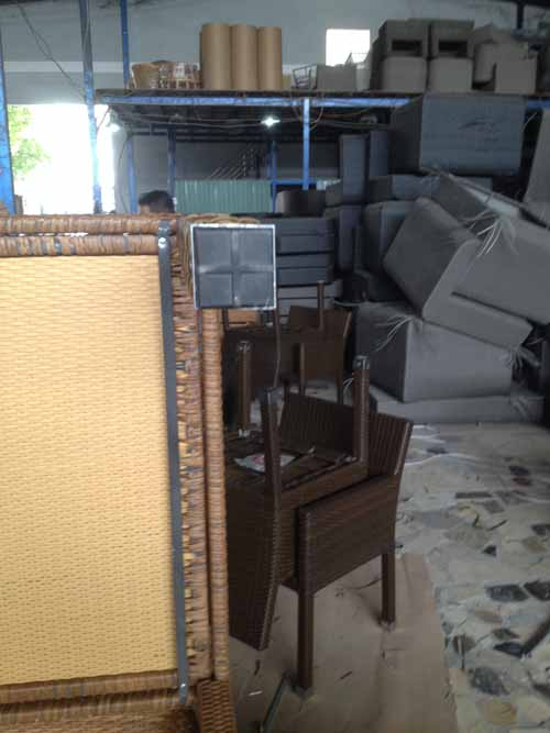 Furniture Quality Control in Vietnam - Uneven rubber stopper